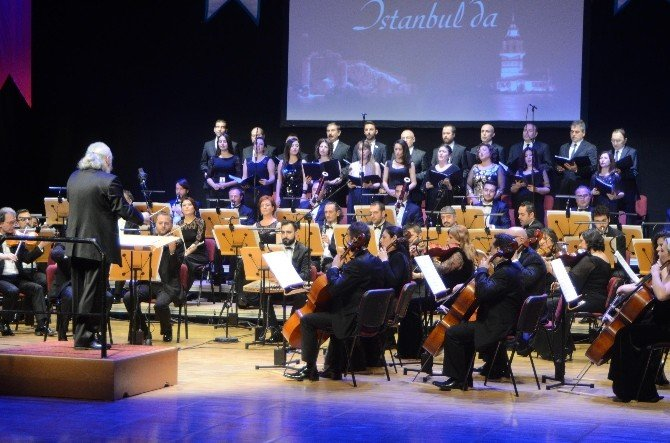 Klasik Müzik İle Elazığ Müziğini Harmanlayan Orkestra Konseri Büyük İlgi Gördü