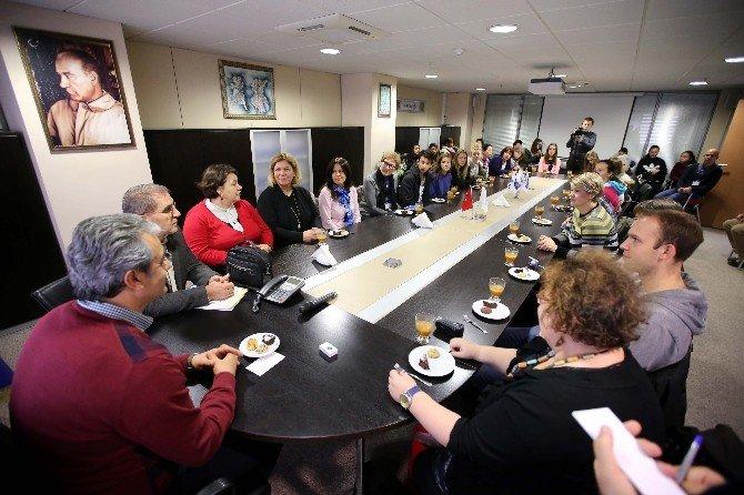 Yabancı Öğrencilerden Karşıyaka Belediye Başkanına Ziyaret