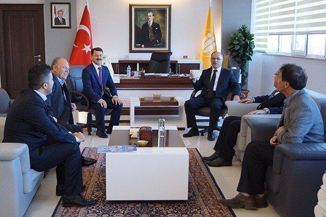 Federasyon Başkanları Rektör Çelik'i Ziyaret Etti