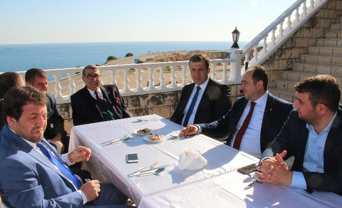 İçişleri Eski Bakanı Aksu, Antalya'da Otel Açılışına Katıldı