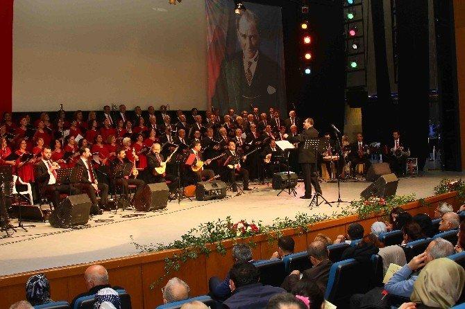 Bayraklı'da Yeni Yıla Özel Konser