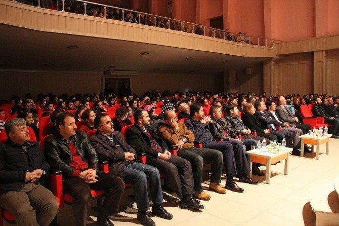 'Safahat' Adlı Tiyatro Oyunu Sinop'ta