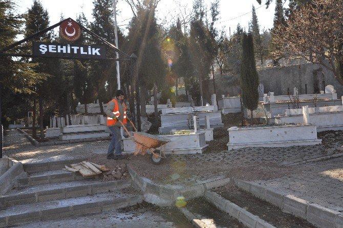 Bilecik Şehitlik Mezarlığında Kapsamlı Çalışma