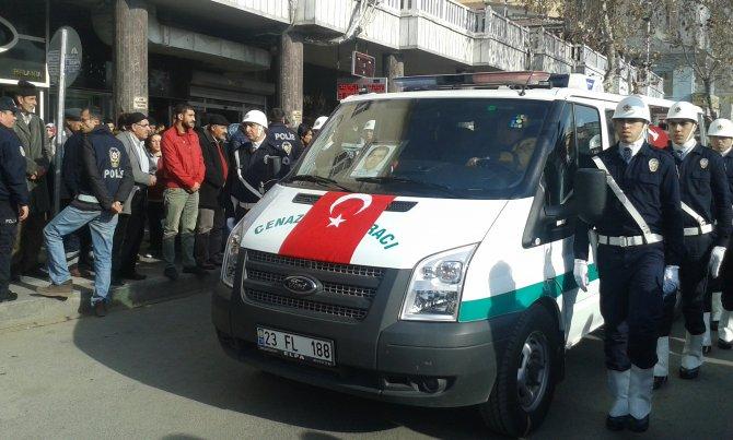 İtfaiye aracının çarpttığı polis memuru Elazığ'da toprağa verildi