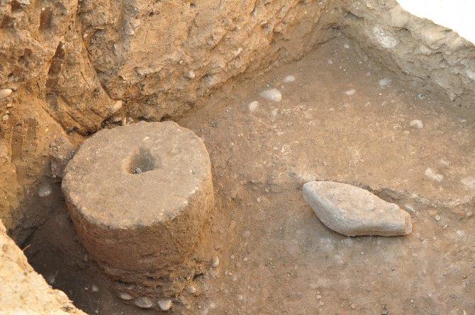 Kadirli'de Roma dönemine ait tarihi hamam kalıntıları ve mozaikler bulundu