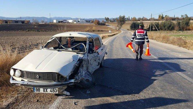 Kadirli'de Trafik Kazası: 2 Yaralı