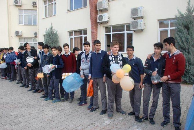 Öğrenciler, yumurtayı kırmamak için yarıştı