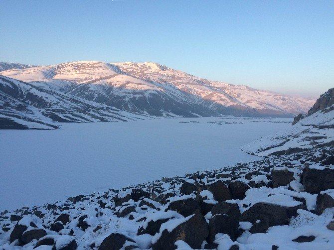 Van'da Sibirya Soğukları Hüküm Sürüyor