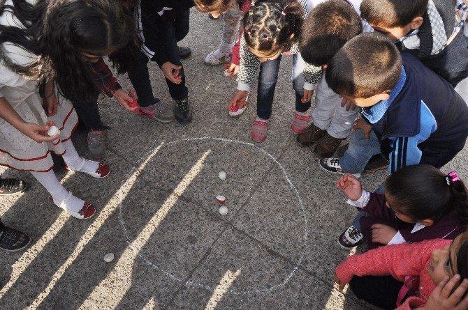 Geleneksel Çocuk Oyunları Yeniden Canlandı