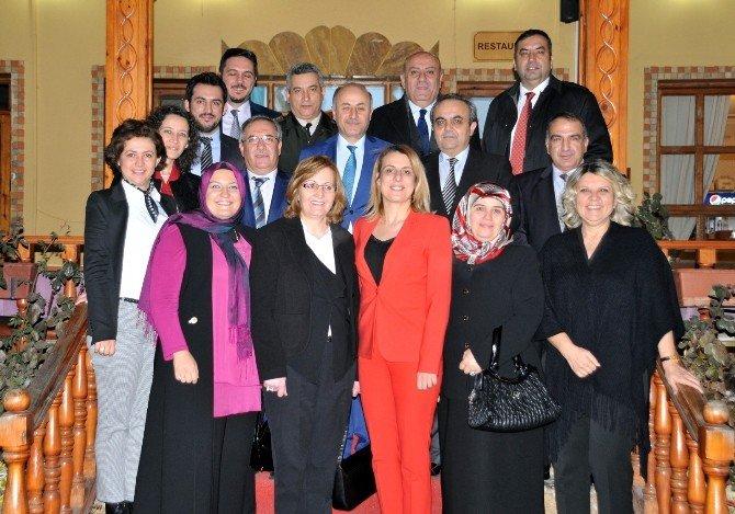 Bilecik Barosu'ndan Rektör Özcan'a Veda Yemeği