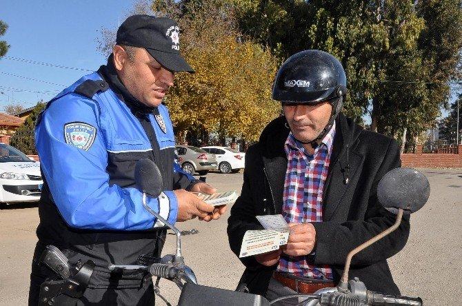 Osmaniye'de Polis, Sürücüleri Hız Ve Emniyet Kemeri Konusunda Uyardı!