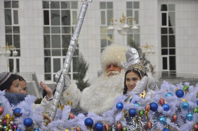 Türkmenistan'ı yeni yıl heyecanı sardı yıl
