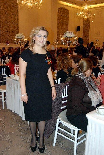Üniversiteli Kadınlar Derneği Üyeleri Yemekte Buluştu