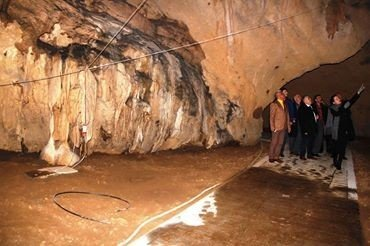 Durdubaş, Gökgöl Mağarası'nı İnceledi