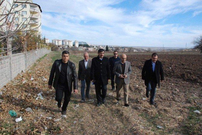 Vali Demirtaş, Yeni Aile Sağlığı Merkezlerinin Yapılacağı Arazileri İnceledi