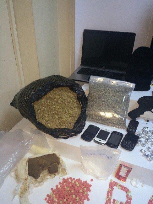 İstanbul'da Uyuşturucu Operasyonu:16 Gözaltı