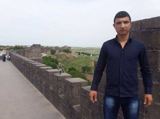 Şüpheli Yolcu Rus Menşeli Suikast Silahıyla Yakalandı