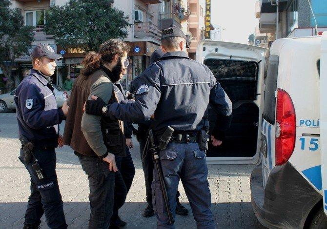 Çanakkale'de İzinsiz Yürüyüş Yapan Gruba Polis Müdahalesi: 20 Gözaltı