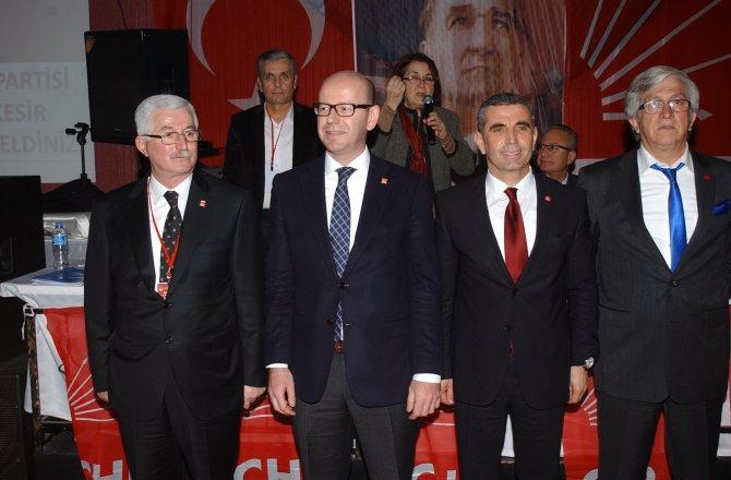 Balıkesir CHP'de yeni başkan Ender Biçki oldu