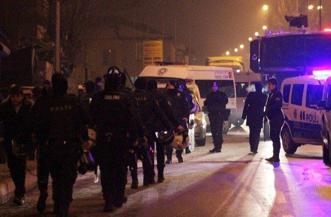İki Aile Arasında Çıkan Kavgada 1 Polis Yaralandı, 10 Kişi Gözaltına Alındı