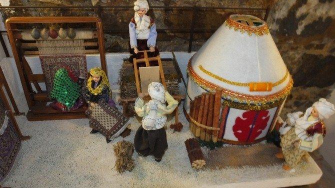 Edremit'de Genç Yönetici Babası Anısına Etnoğrafya Galerisi Açtı