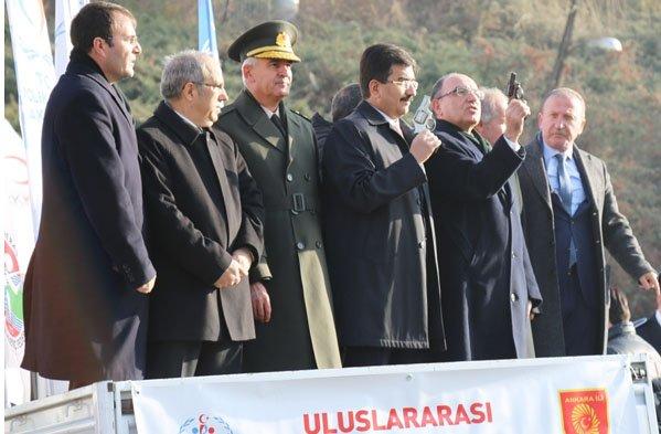 Atatürk Koşusu'nu erkeklerde Çağlayan, kadınlarda Özata kazandı