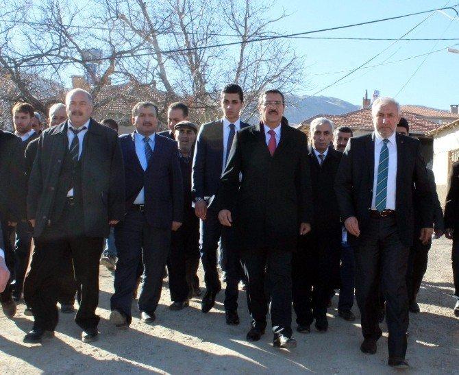 Gümrük Ve Ticaret Bakanı Bülent Tüfenkci'den Deprem Bölgelerine Ziyaret
