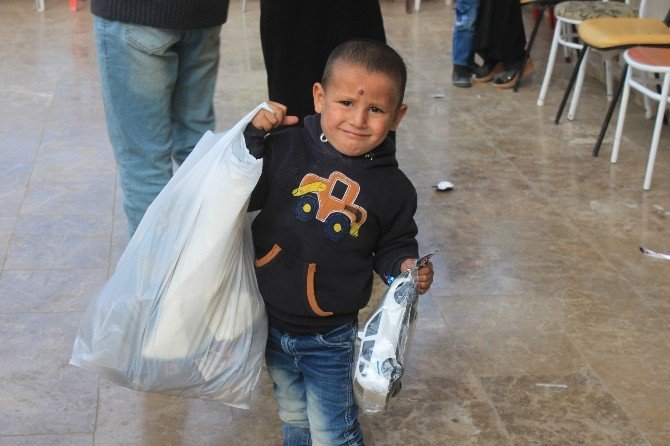 Şanlıurfa'da Suriyeli Yetim Ve Öksüzlere Yardım Yapıldı
