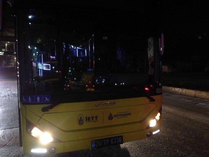 Dağılan Eylemciler İETT Otobüsünü Taşladı