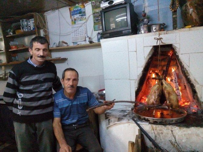 Odun ateşinde kaz tiridi, köy odalarında daha da lezzetli