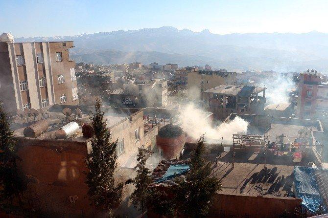 Şırnak'ta HDP Ve DBP'nin İzinsiz Yürüyüşüne Polisten Müdahale