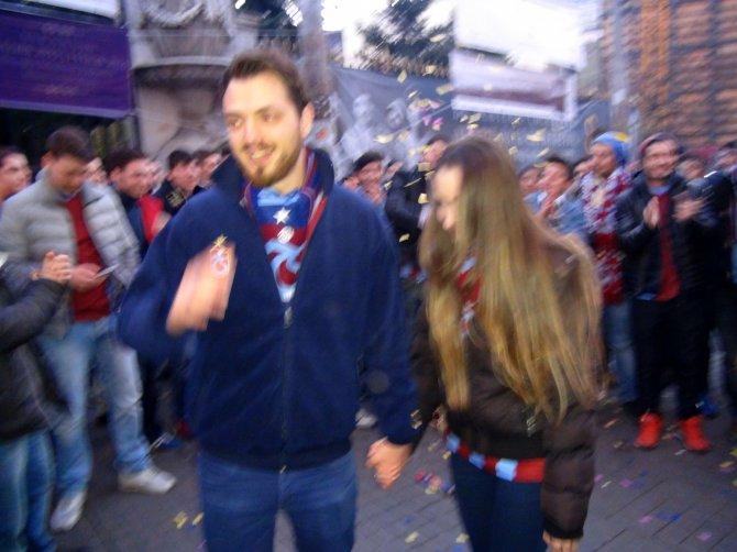 Trabzonsporlu taraftardan ilginç evlenme teklifi
