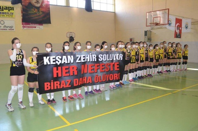 Küçük Sporculardan Hava Kirliliğine Maskeli Tepki