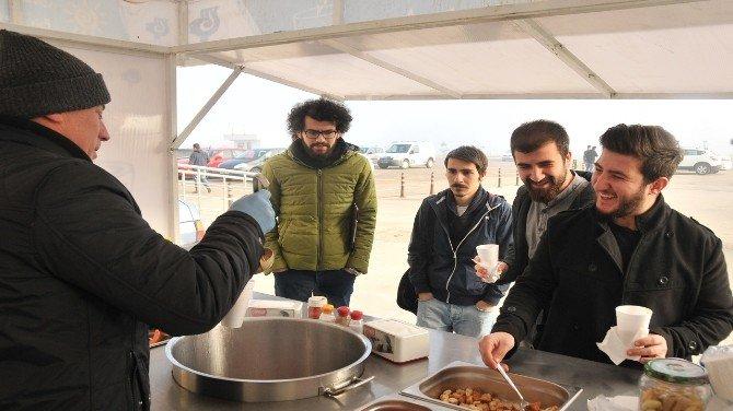 Bandırma Belediyesinden Öğrencilere Çorba İkramı
