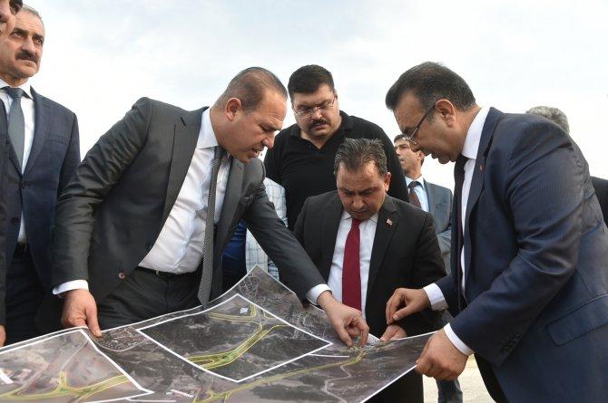 Büyükşehir Belediyesi köy yollarını yapıyor