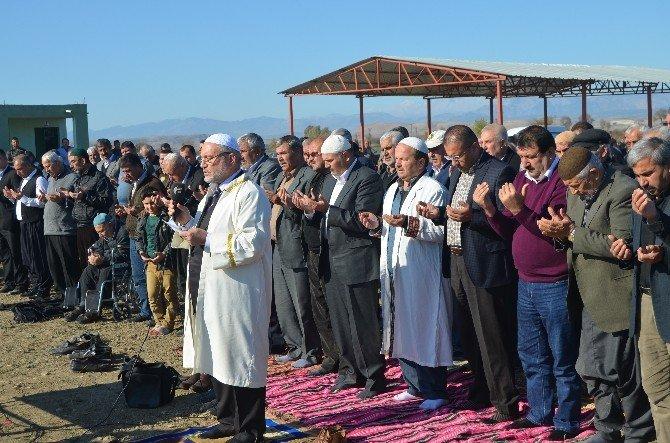 Kozan Ve İmamoğlu'da Köylüler Yağmur Duasına Çıktı