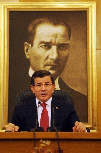 """Başbakan Davutoğlu: """"İsterse Kandil'e Gidip Çayını İçsin Bu Senarist"""""""