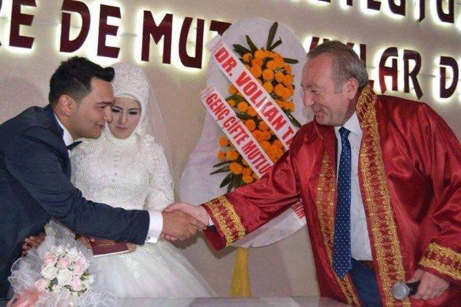 Sungurlu'da Geçen Yıl 303 Çift Dünyaevine Girdi
