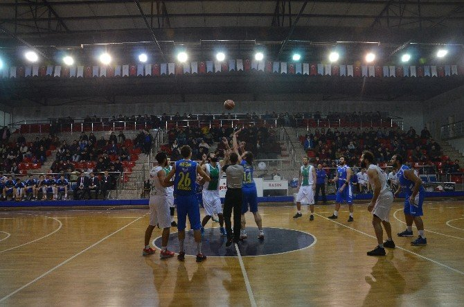 Düzce Belediyespor Basketbolda İlk 6 İçinde
