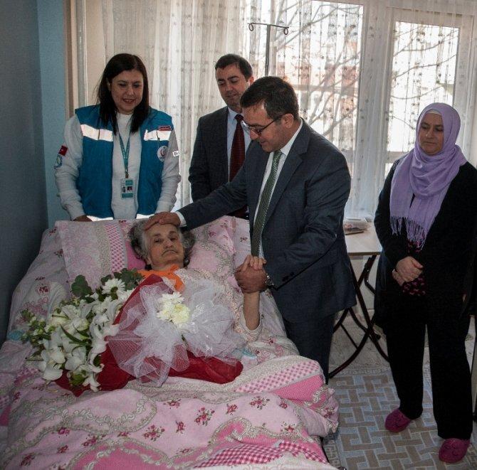 Evde Sağlık Hizmeti alan hastalardan ihtiyacı olanlara yatak dağıtıldı