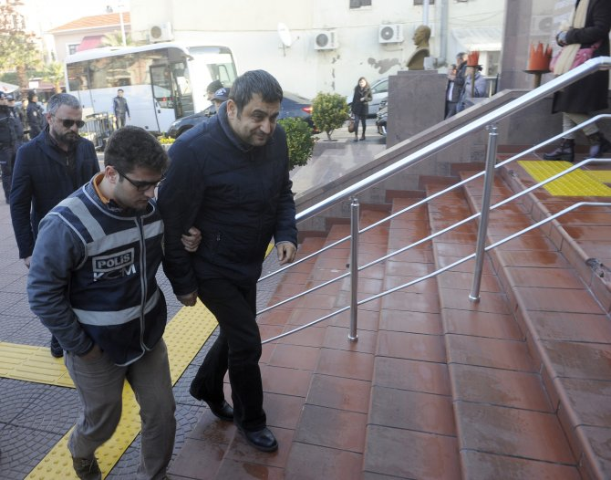 Çanakkale'de Laçiner ve diğer gözaltındakiler adliyeye sevk edildi