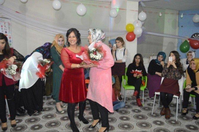 Van'da 'Yılın Anneleri' Seçildi