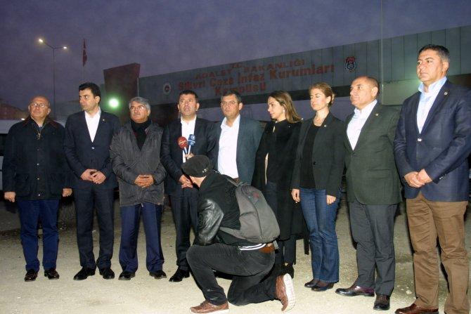 CHP, tutuklu gazetecilerle ilgili Meclis'e kapsamlı rapor verecek