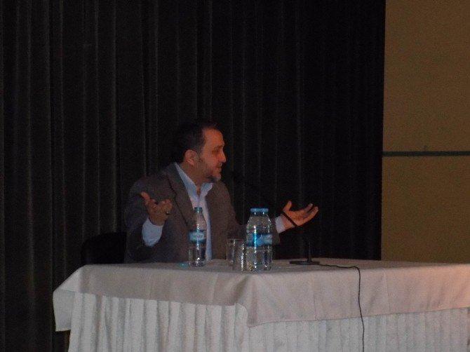 """""""Hadislerin Sosyal Değişim Üzerinde Etkileri"""" Konferansı"""