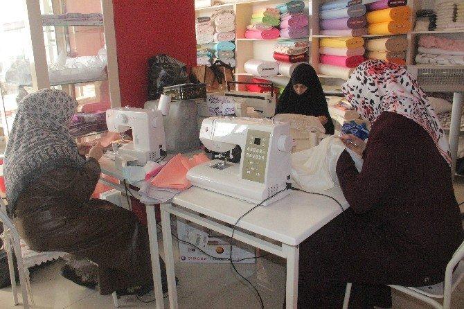 Kadınlar, El Sanatları Eğitim Merkeziyle İş Sahibi Oluyor