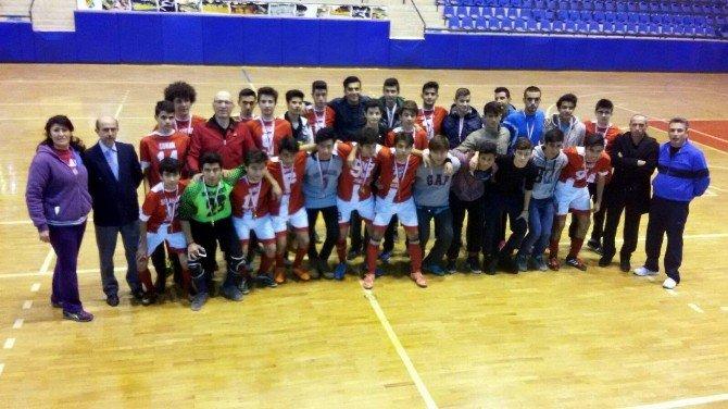 Futsal Genç Kız Ve Erkeklerde İl Birincileri Belirlendi