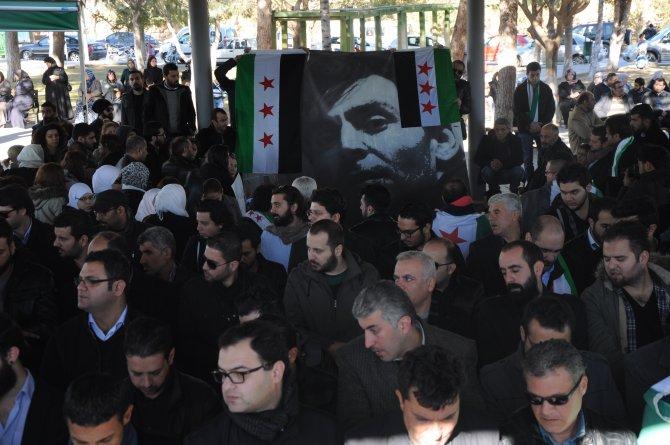 Suriyeli muhalif gazeteci toprağa verildi