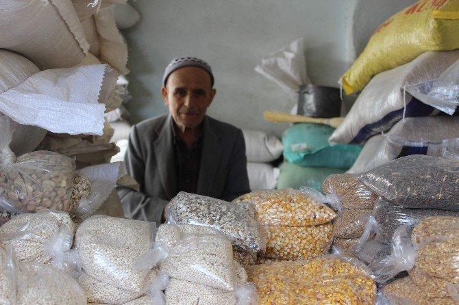 İsmail Dede Asırlık Zahire Pazarının Sembolü Oldu