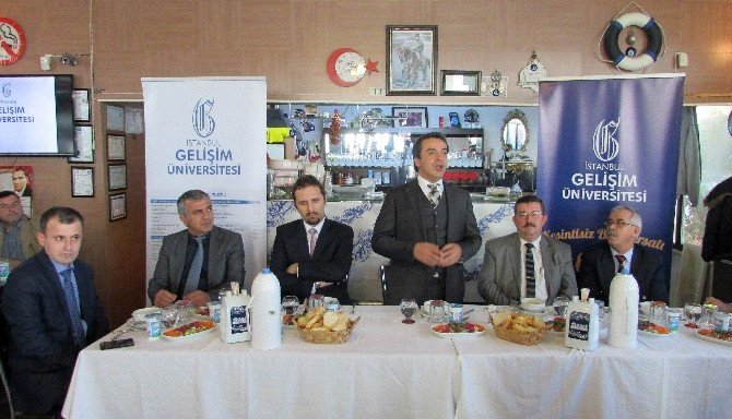 İstanbul Gelişim Üniversitesi İle Okul Müdürleri Bir Araya Geldi