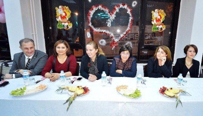 Huzur Evinde Yılbaşı Coşkusu